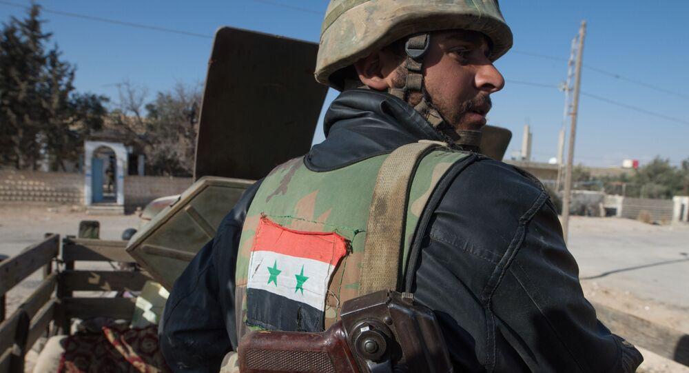 Bojownicy Syryjskiej Armii Arabskiej w okolicach miasta Mahin w Syrii