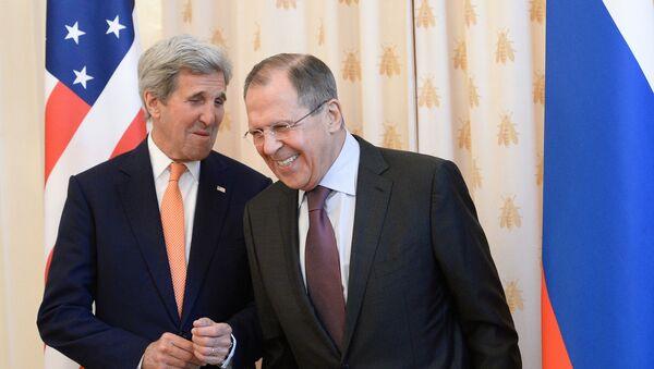 Sekretarz stanu USA John Kerry i minister spraw zagranicznych Rosji Siergiej Ławrow w Moskwie - Sputnik Polska