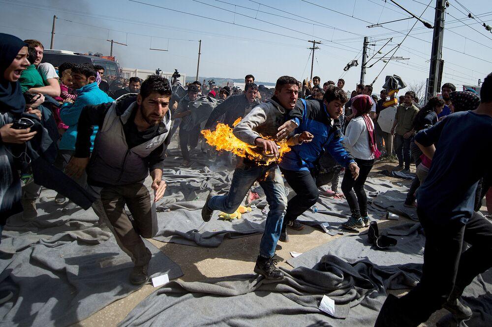 Akcja protestacyjna w obozie uchodźców na granicy grecko-macedońskiej