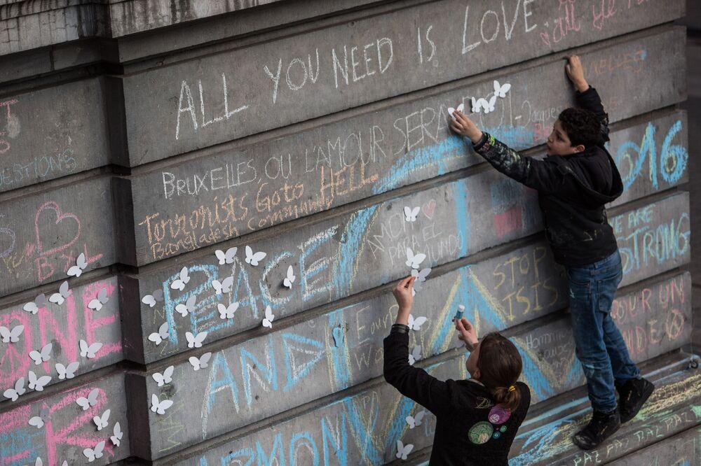 Uczestnicy akcji żałobnej w Brukseli