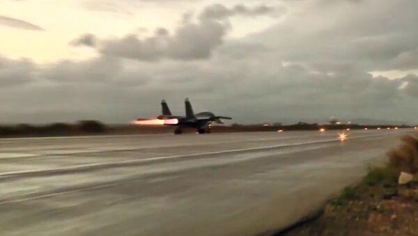 Samoloty Sił Powietrzno-Kosmicznych w bazie lotniczej Hmeimim - Sputnik Polska