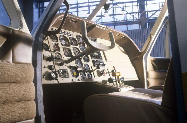 Kabina samolotu Jak-58 - Sputnik Polska