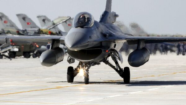 Tureckie myśliwce F-16 - Sputnik Polska