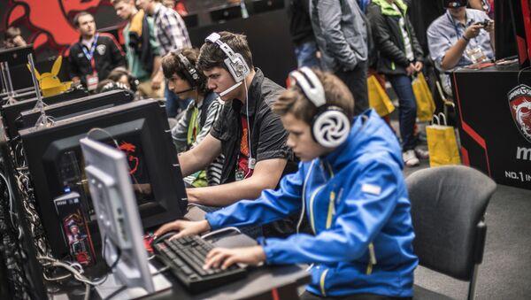 Gracze na wystawie gier komputerowych IgroMir w Moskwie - Sputnik Polska
