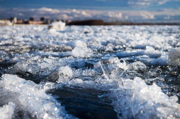 Kra lodowa na rzece Irtysz w Omskie - Sputnik Polska