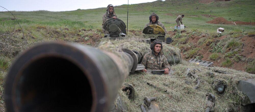 Żołnierze wojsk obrony Górskiego Karabachu