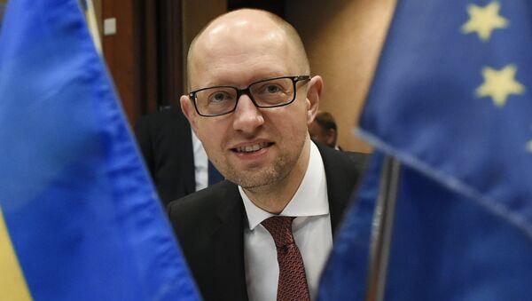 Premier Ukrainy Arsenij Jaceniuk na spotkaniu UE-Ukraina w Brukseli - Sputnik Polska