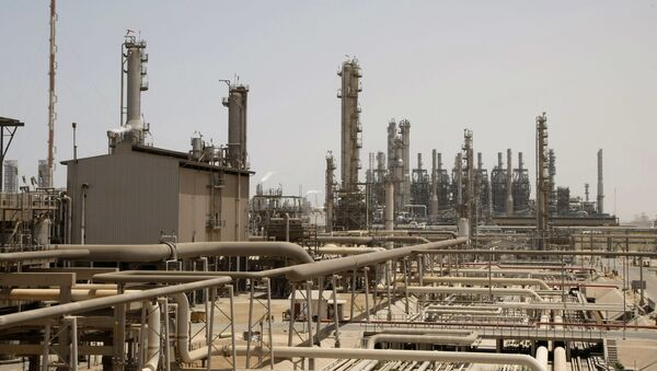 Rafineria w Arabii Saudyjskiej - Sputnik Polska