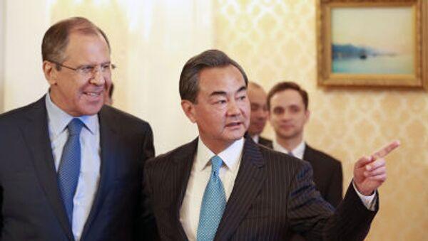 Minister spraw zagranicznych Rosji Siergiej Ławrow i minister spraw zagranicznych Chin Wang Yi podczas spotkania w Moskwie - Sputnik Polska