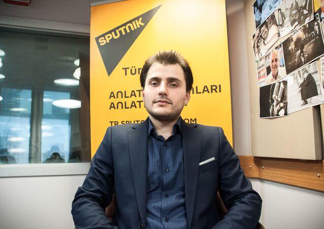 Redaktor naczelny  Sputnik TurcjaTural Kerimow