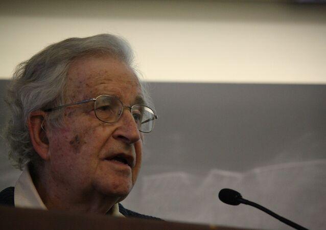 Amerykański filozof i publicysta Noam Chomsky