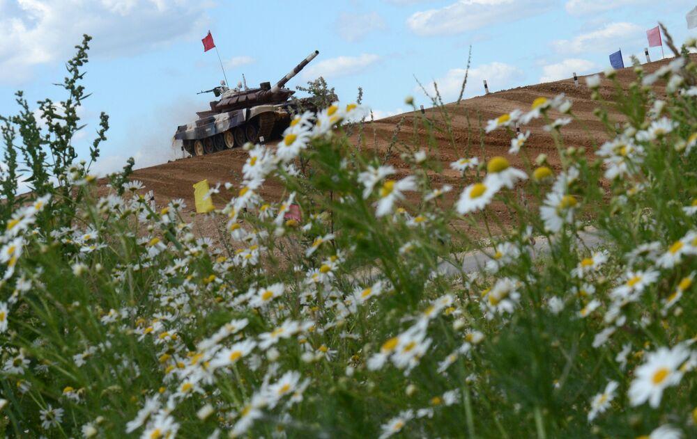 Biathlon czołgowy na poligonie w Ałabinie