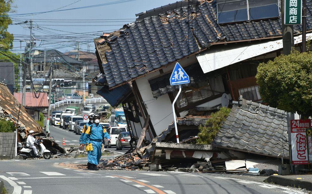Operacja ratownicza po trzęsieniu ziemi w prefekturze Kumamoto