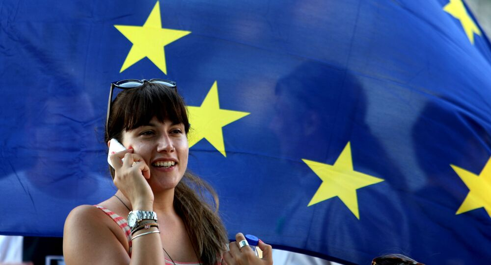 Greczynka na tle flagi UE