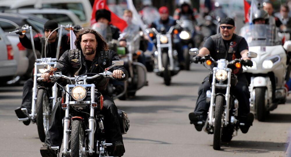 Członkowie klubu motocyklowego Nocne Wilki