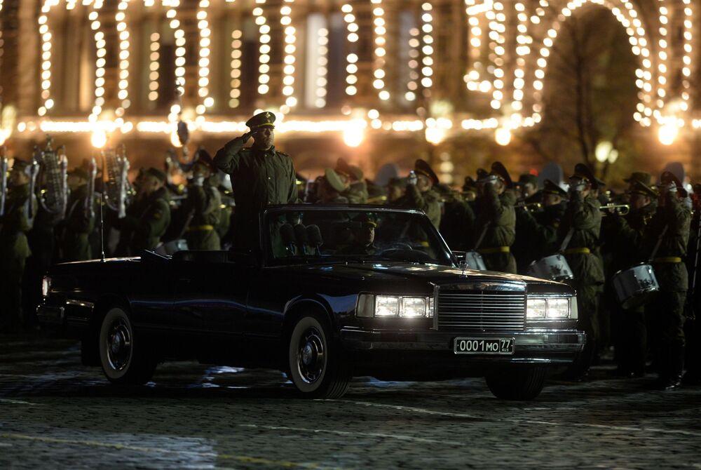 Samochód ministra obrony Rosji, którym będzie się on przemieszczać po Placu Czerwonym podczas parady 9 maja.