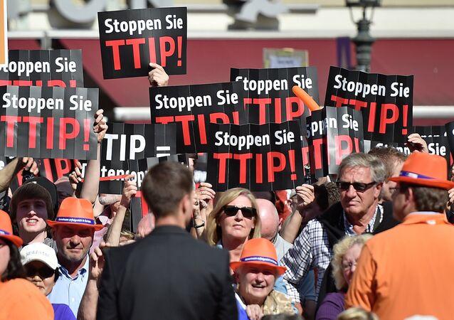 Protest przeciwko TTIP