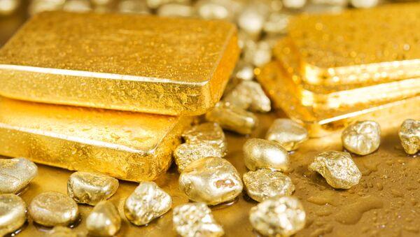 Na świecie w ciągu roku wyrzucono 300 ton złota - Sputnik Polska