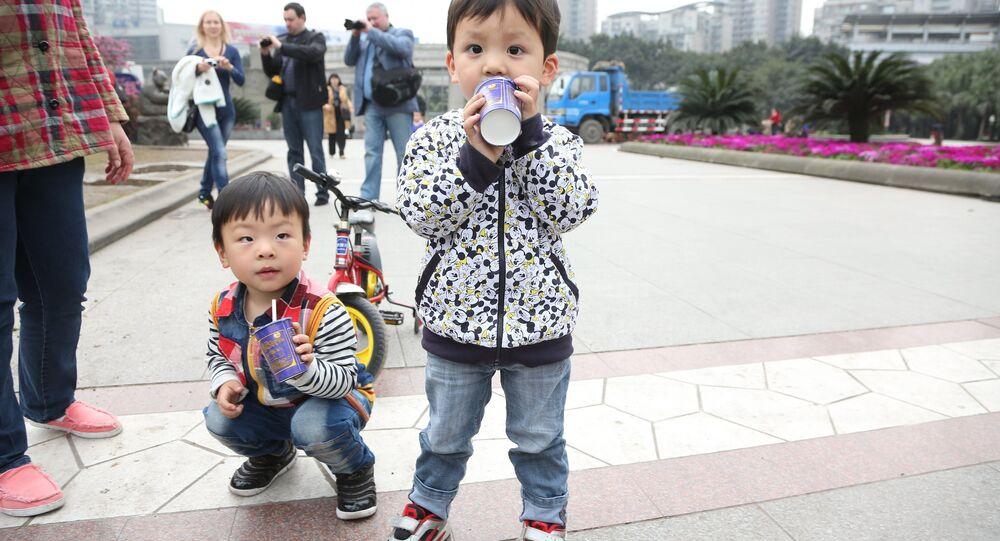 Chiny. Dzieci