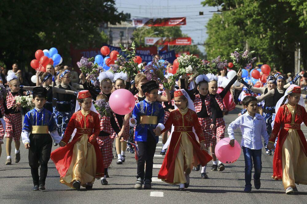 Pochód pierwszomajowy w Symferopolu