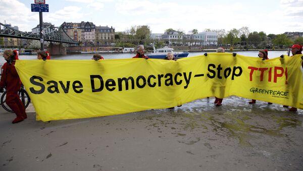 Akcja protesu przeciwko porozumieniu TTIP - Sputnik Polska