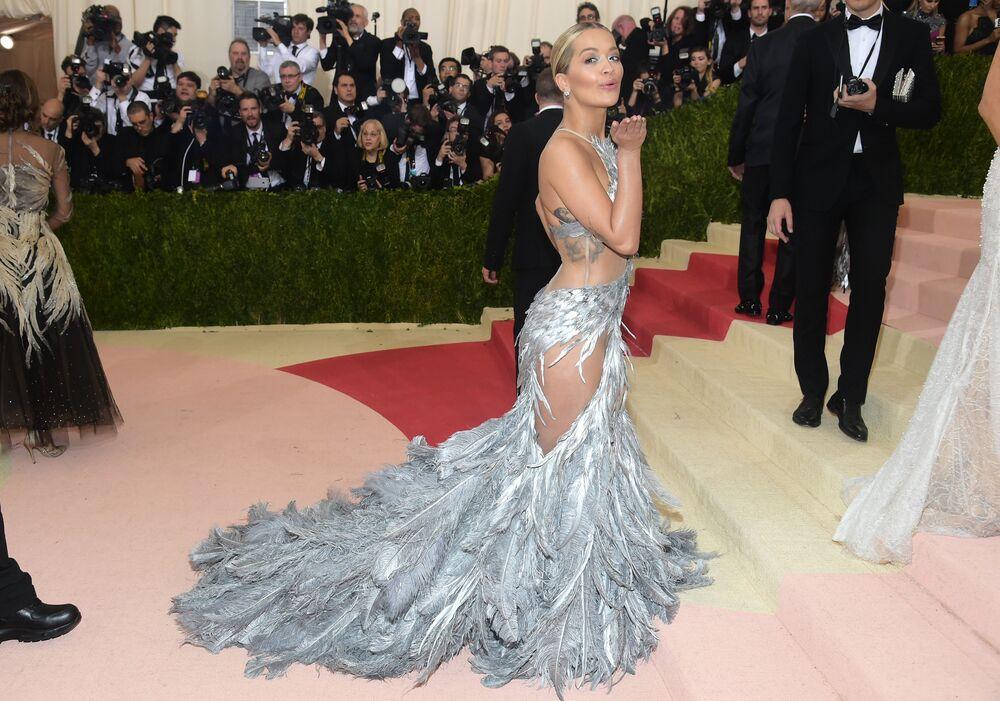 Rita Ora na Met Gala, Nowy Jork, 2 maja 2016
