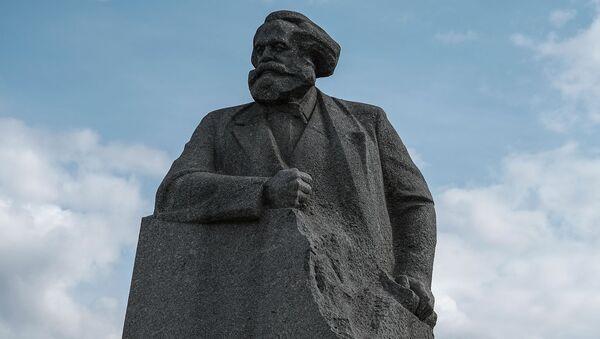 Pomnik Karola Marksa w Moskwie - Sputnik Polska