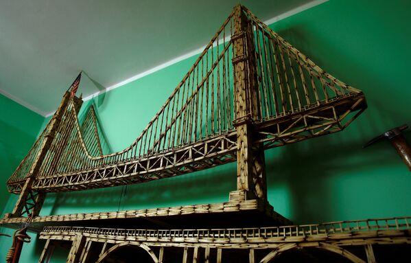 Replika mostu Złota Brama stworzona z zapałek - Sputnik Polska