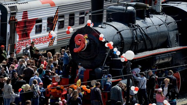 Witanie pociągu Armia Zwycięstwa we Władywostoku - Sputnik Polska