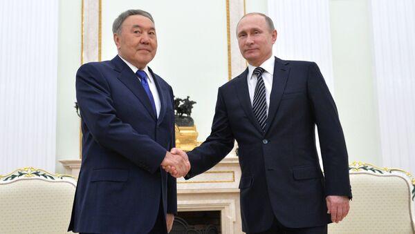 Prezydent Rosji Władimir Putin i prezydetn Kazachstanu Nursułtan Nazarbajew w czasie spotkania w Kremlu - Sputnik Polska