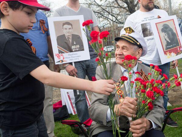 Akcja Nieśmiertelny Pułk w Montrealu, Kanada - Sputnik Polska