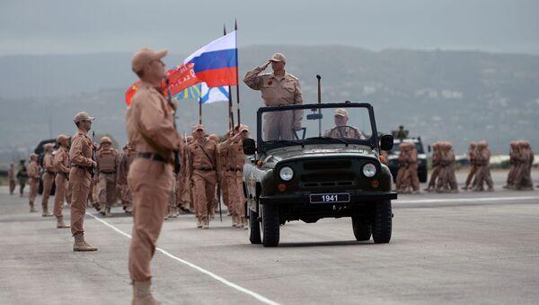 Próba generalna Defilady Zwycięstwa w bazie lotniczej Hmeymim w Syrii - Sputnik Polska