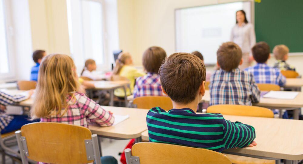 Uczniowie na lekcjach