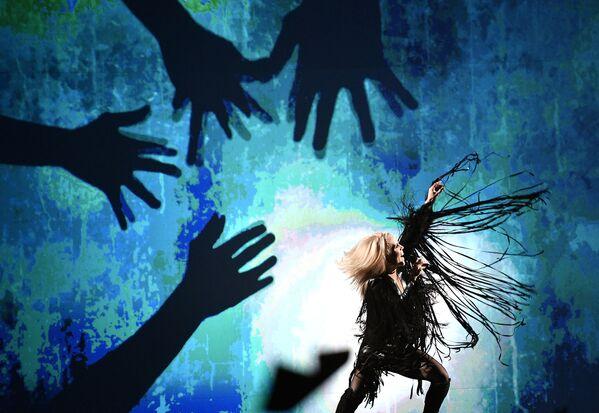 Greta Salome z Islandii z piosenką Hear Them Calling - Sputnik Polska