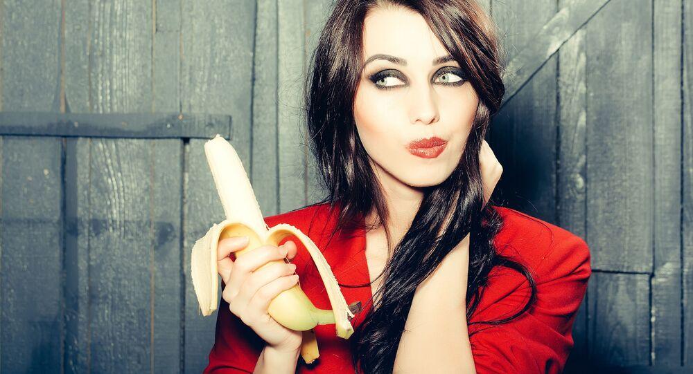Dziewczyna z bananem.