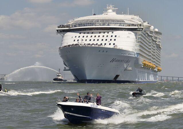 Łódź obrała kurs na Southampton (Wielka Brytania), gdzie przyjmie na pokład pierwszych pasażerów. Później statek odprawi się do Barcelony, skąd rozpocznie swój pierwszy rejs po Morzu Śródziemnym.