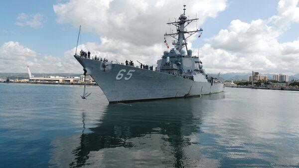 Американский эсминец USS Benfold  - Sputnik Polska
