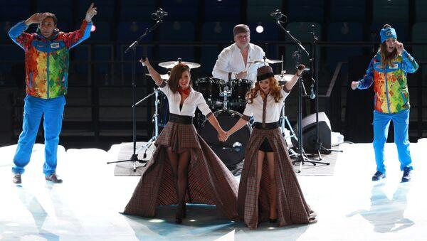 Rosyjski zespół t.A.T.u. podczas ceremonii otwarcia Zimowych Igrzysk Olimpijskich w Soczi - Sputnik Polska