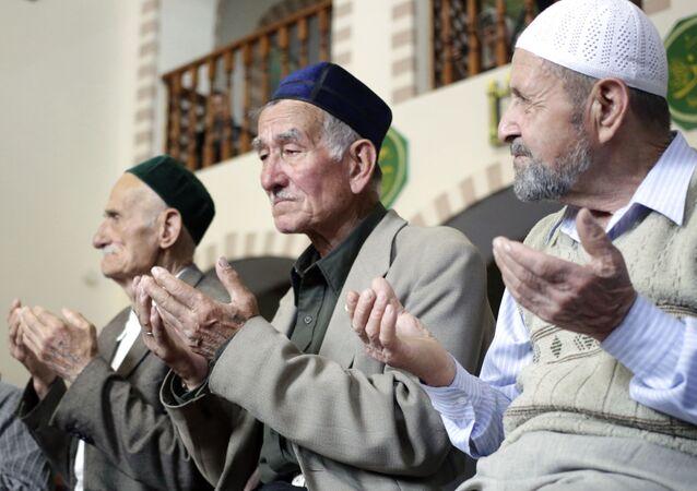 Wspólna modlitwa w meczetu Kebir-dżami w intencji ofiar deportacji narodów Krymu