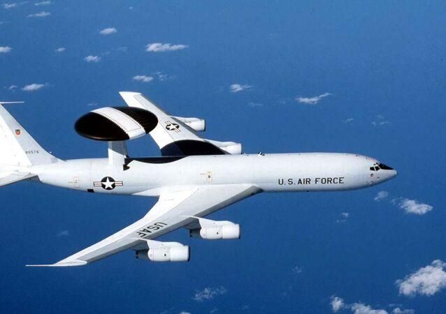 Boeing E-3 Sentry z systemem AWACS