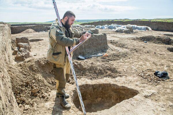 Archeolodzy prowadzą prace na różnych odcinkach przyszłej trasy, zbadano już ponad 5 hektarów obszaru dawnych osad i cmentarzysk, w tym terytorium XVII-XVIII-wiecznej wsi. - Sputnik Polska