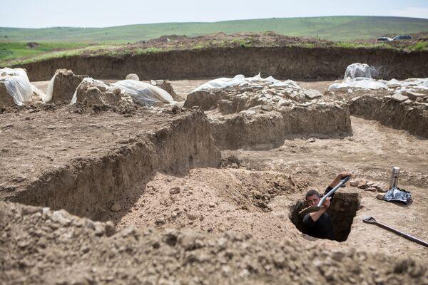 Aktualnie naukowcy dokładnie badają obszar o wielkości 50 tys. metrów kwadratowych, na którym będą poszukiwali pozostałości po osadach z czasów Imperium Rzymskiego. - Sputnik Polska
