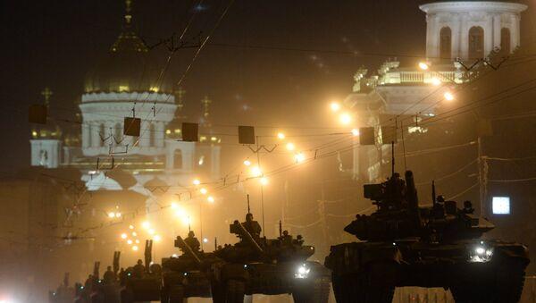 Do Moskwy ściągane jest ciężkie uzbrojenie - Sputnik Polska