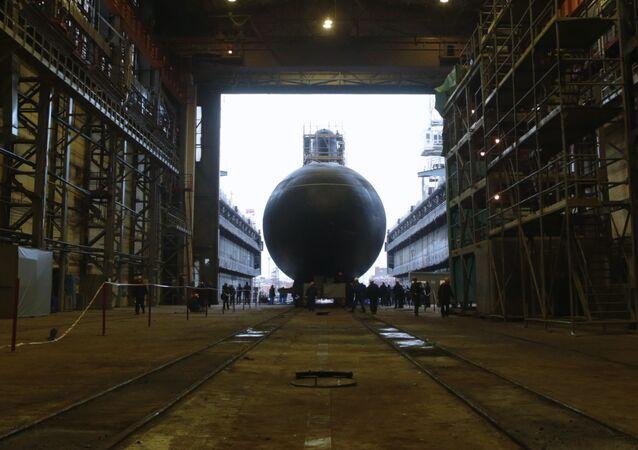 Okręt podwodny Noworosyjsk w Admiralskich Stoczniach
