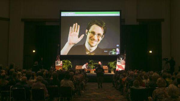 Snowden na ekranie w Honolulu - Sputnik Polska