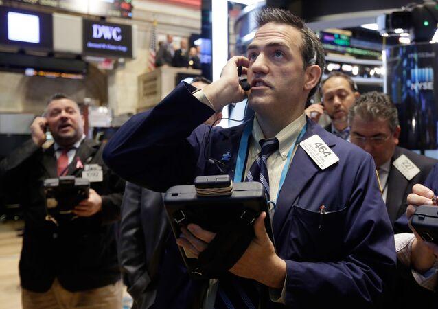 Traderzy na giełdzie finansowej w Nowym Jorku