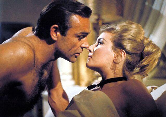 Sean Connery i Daniela Bianchi, Pozdrowienia z Rosji, 1963 r.
