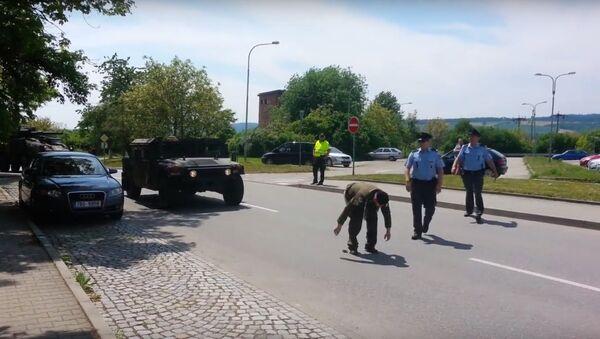 Emerytowany chorąży M. Zapletal wyraził sprzeciw wobec przejazdu przez terytorium Czech konwoju USA zmierzającego na szkolenie NATO - Sputnik Polska
