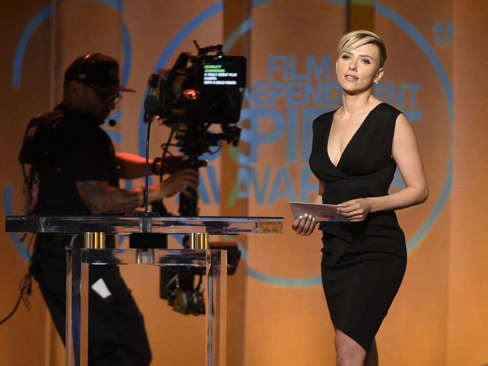 Pełna wdzięku blondynka Scarlett Johansson jest jedną z najczęściej nagradzanych aktorek Hollywood.