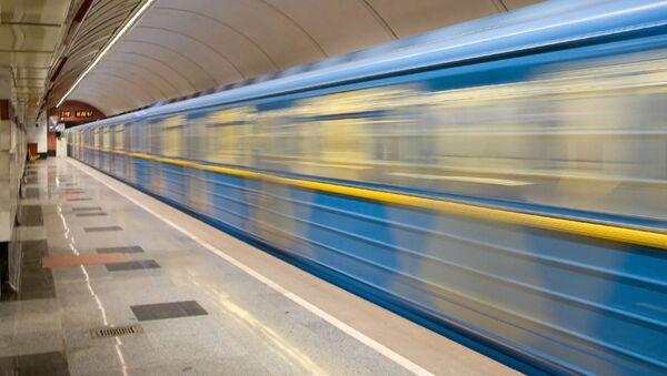 Stacja metro w Kijowie. Ukraina. - Sputnik Polska